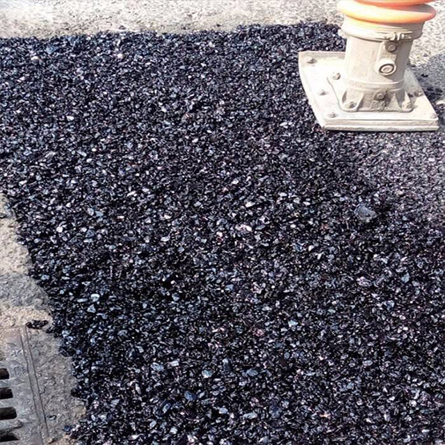 Cold mix asphalt for road repair