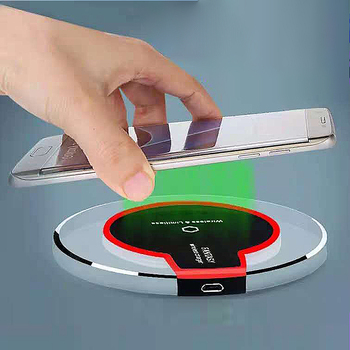 2020 New product Hot wholesale 5V 1A 5W Universal Charger Fast Quick Charging Custom Wireless Charger Power Bank
