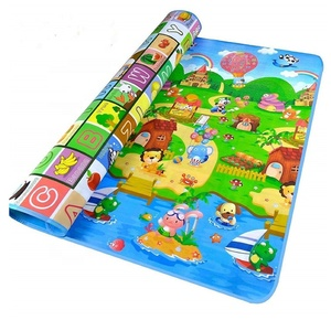 Custom cartoon pattern pink play mat,neoprene play mat battle mat