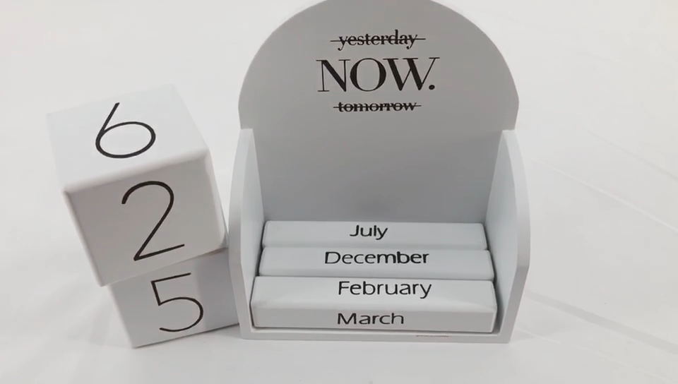 wholesale Swing table 2020 festival blocks desktop decoration perpetual wooden cube square small calendar