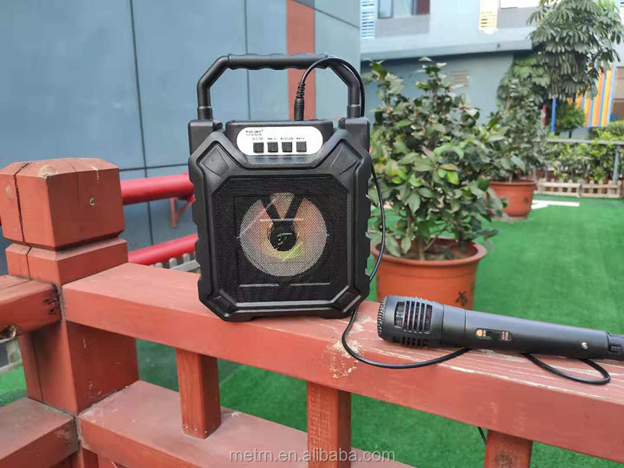 5 W Portabel Mini Karaoke Pemutar dengan Mikrofon