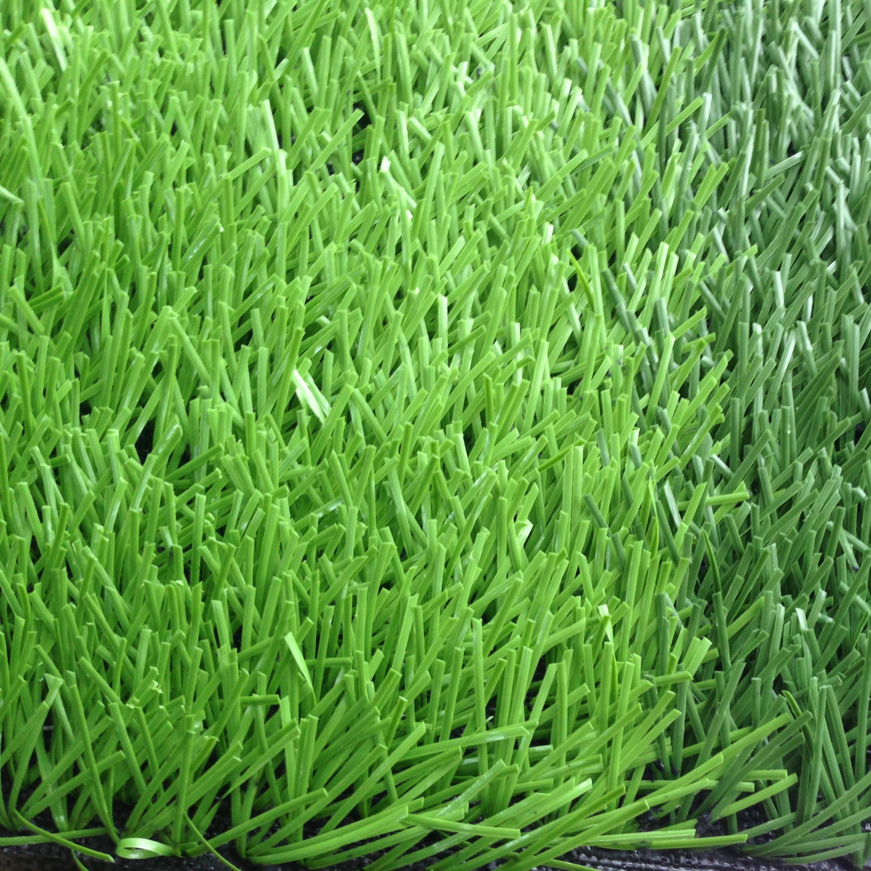 Calcio in erba artificiale