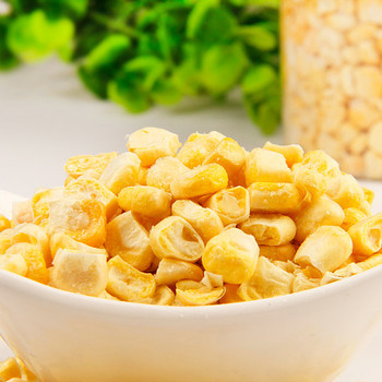 Healthy snack freeze dried yellow sweet corn
