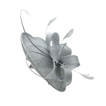レディースアクセサリー夏パーティーのウェディングドレスの羽装飾 Sinamay 教会帽子
