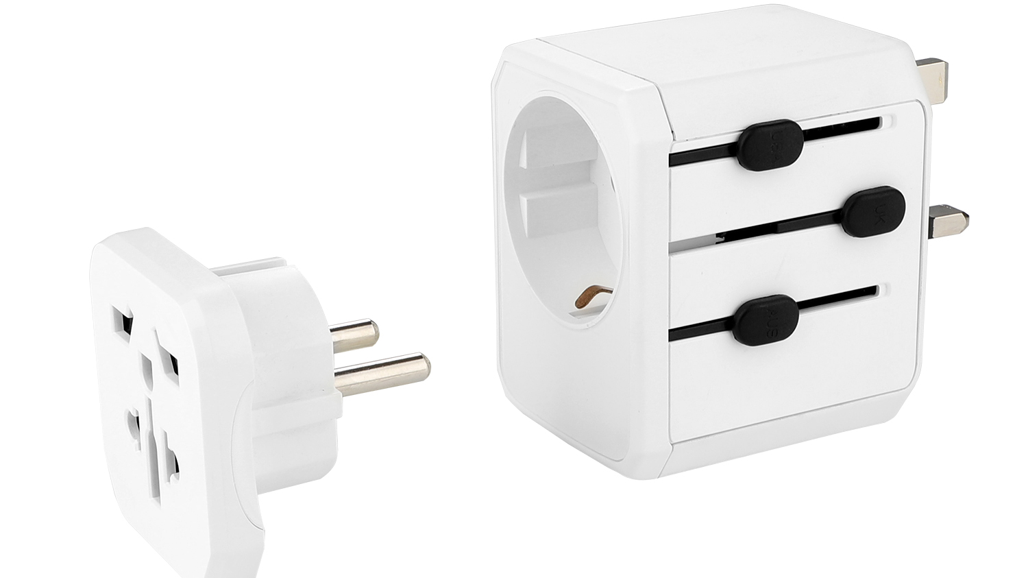 Earth pin 880W-2500W world travel adapter with 3 usb + Type C port,grounding travel adapor for UK BS8546