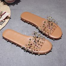 Женские тапочки; Сезон весна-лето 2020 года; Плоская ЗАКЛЕПКА; Модные крутые тапочки; Модные прозрачные тапочки для женщин(Китай)