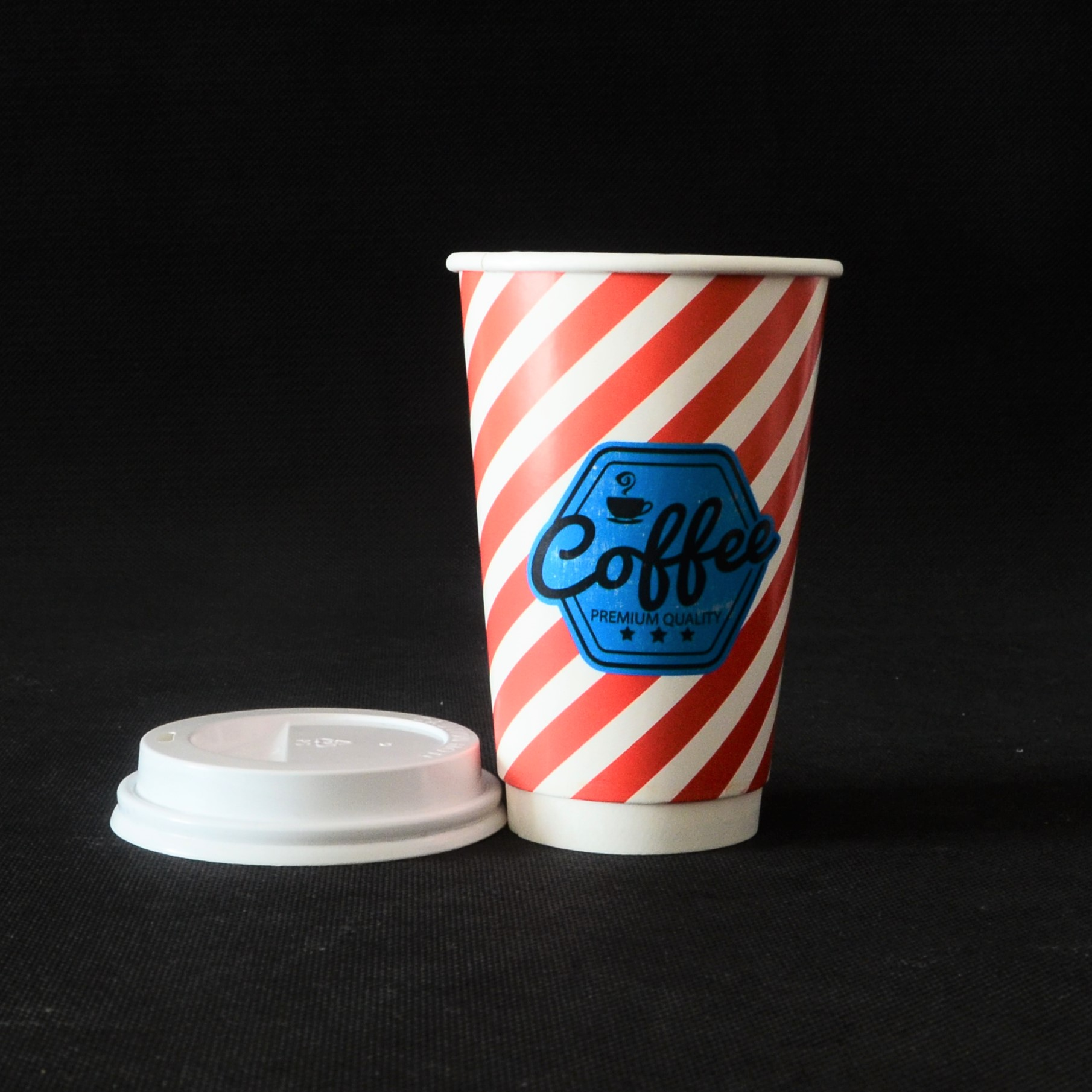 2017 de lujo fabricante bebida caliente logotipo personalizado impreso papel desechable de doble pared tazas de café y tapas