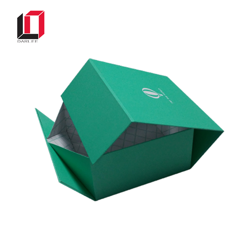 Collapsible Box (Traditional): Wedding Invitations | Happy Folding | 800x800