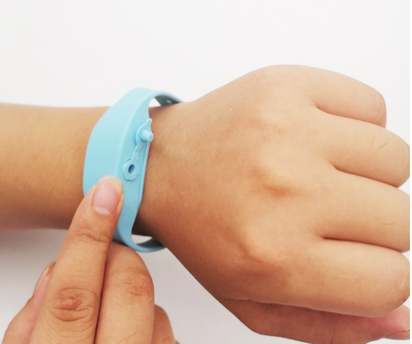 Best Quality Bracelet Wristband Hand Sanitizer New Product Wearable Slap Silicone Wristband Silicone Hand Sanitizer Wristband Buy Hand Sanitizer Wristband Silicone Hand Sanitizer Wristband Wristband Hand Sanitizer Product On Alibaba Com In the large slap png gallery, all of the files can be used for commercial purpose. alibaba com