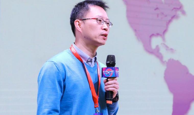 周晓农:机遇与挑战并存的海外市场