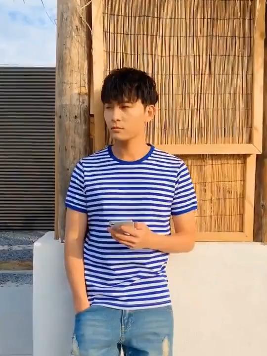 卸売ユニセックス 95% 綿 5% スパンデックスストライプメンズ Tシャツ男の子糸染色ストライプベーシック Tシャツ
