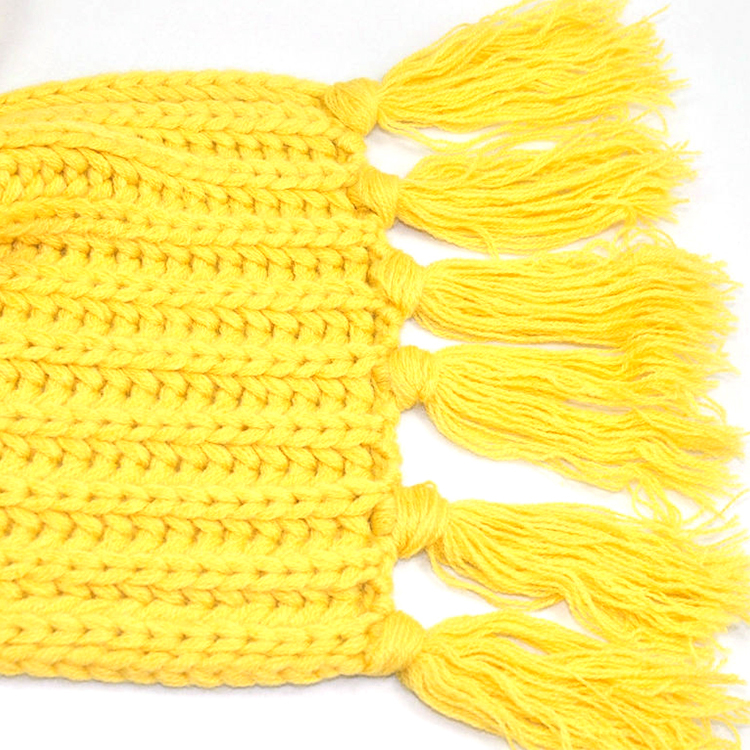 Confortable ODM knitted 30x180 cm long women yellow plain tassels cotton scarf