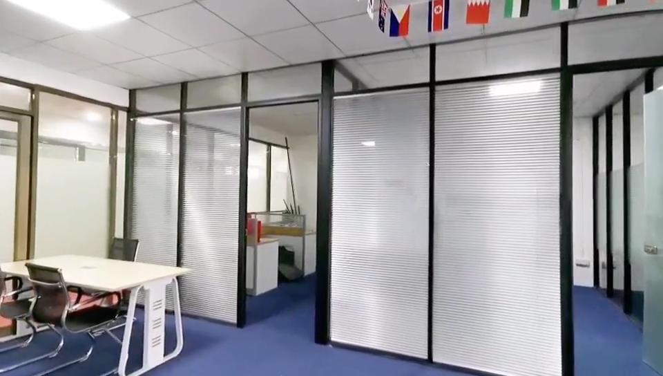 Oficina de partición de vidrio de una sola doble fijo de pared de vidrio de partición de pared de vidrio con puerta de diseño