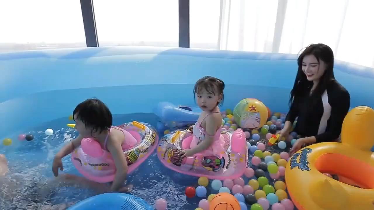Açık hava yüzme havuzu şişme aile yetişkin ve çocuk