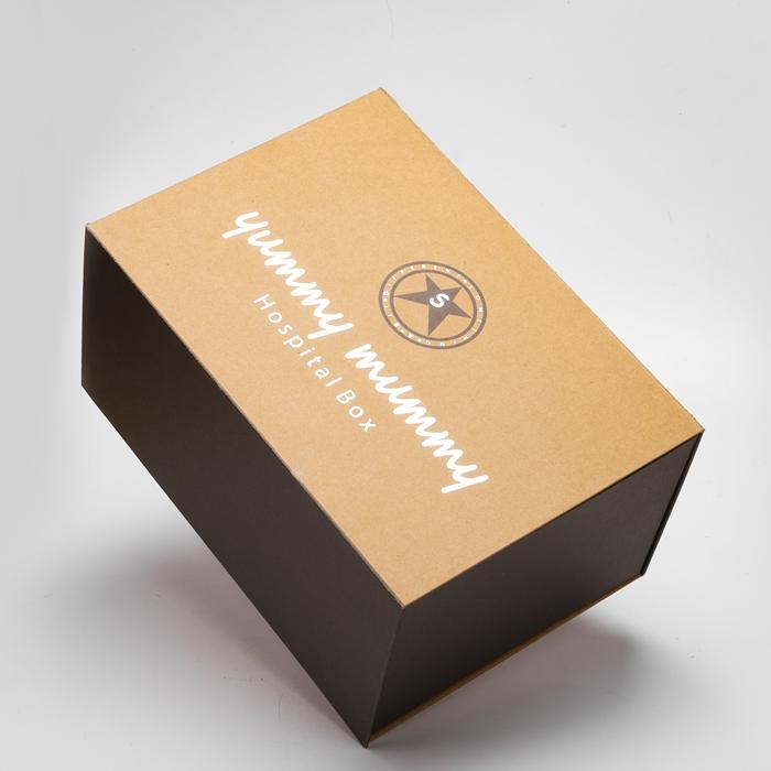 कस्टम ब्राउन क्राफ्ट पेपर गत्ता कठोर बॉक्स चांदी चमकी गर्म मुहर लगी चुंबकीय बंद लक्जरी उपहार बॉक्स