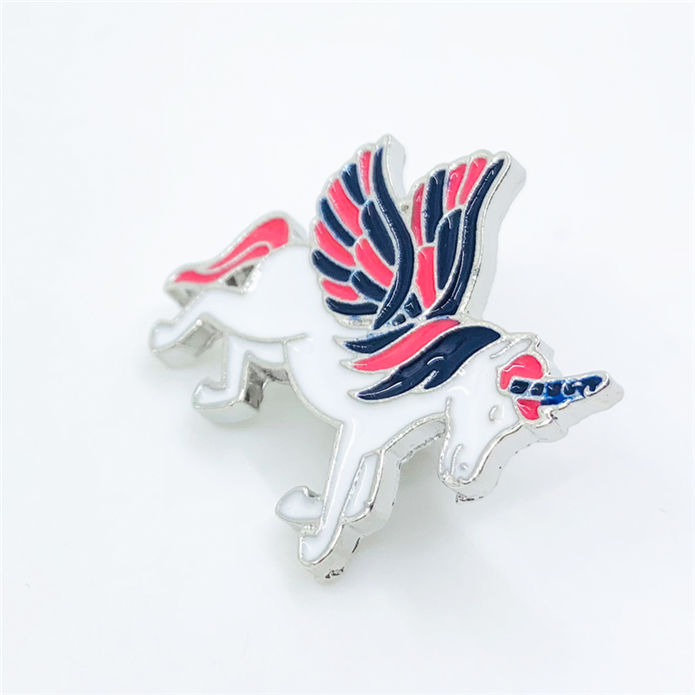 Wholesale cheap metal popular horse shape lapel pin for kids