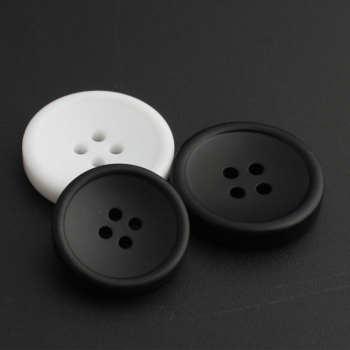 plain design four hole round resin big sewing matte black suits button