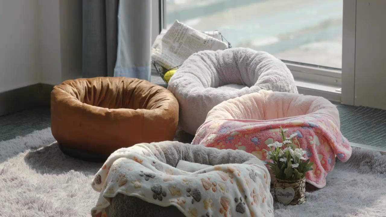 Invierno Caliente bolsa de dormir perro estera de cojín suministros de perro Cama de Gato de felpa larga Super suave cama perrera ronda perrera casa de perro