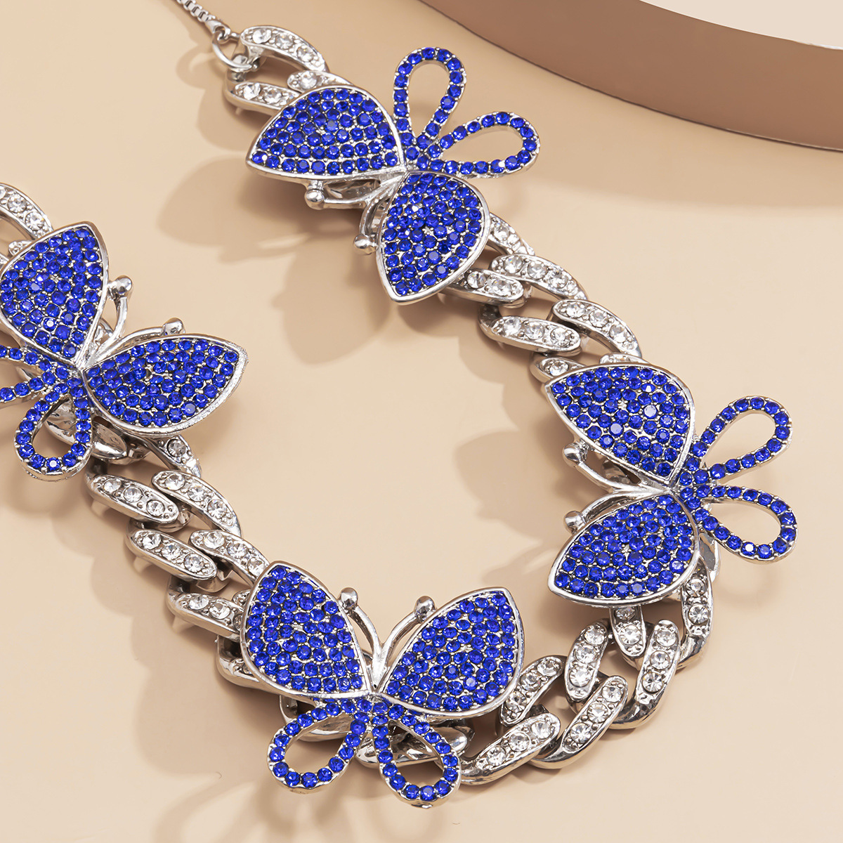 Fashion exaggerated full of Cuban butterfly necklaces retro luxury colorful necklaces for women jewelry accessories