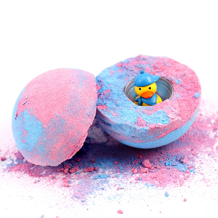 Amazing Wholesale Private Label CBD Colors Rich Bubble Foaming Natural Vegan Hemp Kids Play Fizzy Bathbombs with Toys