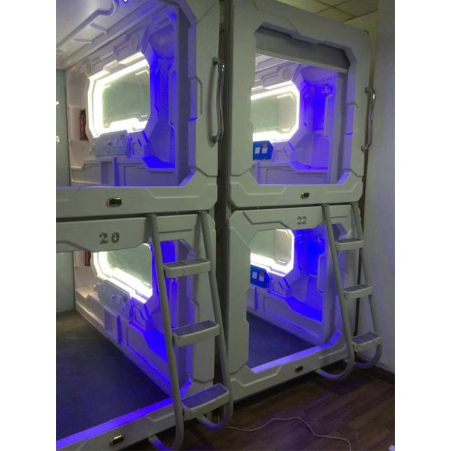 2020 bespoke modern vaccum forming space capsule hotel