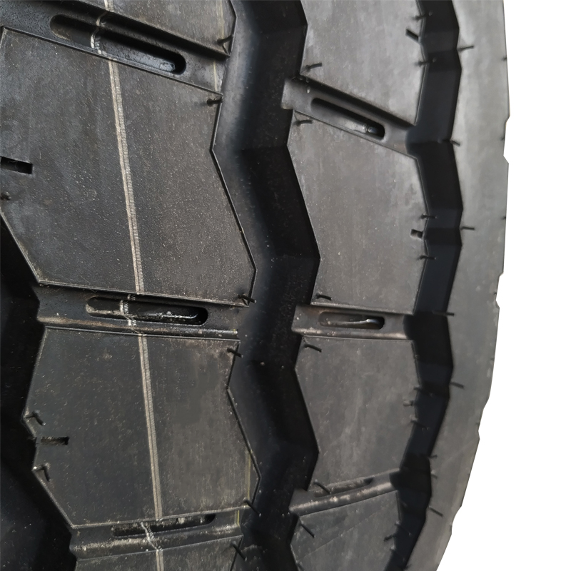 Chinese cheap truck tire for sale1200-24