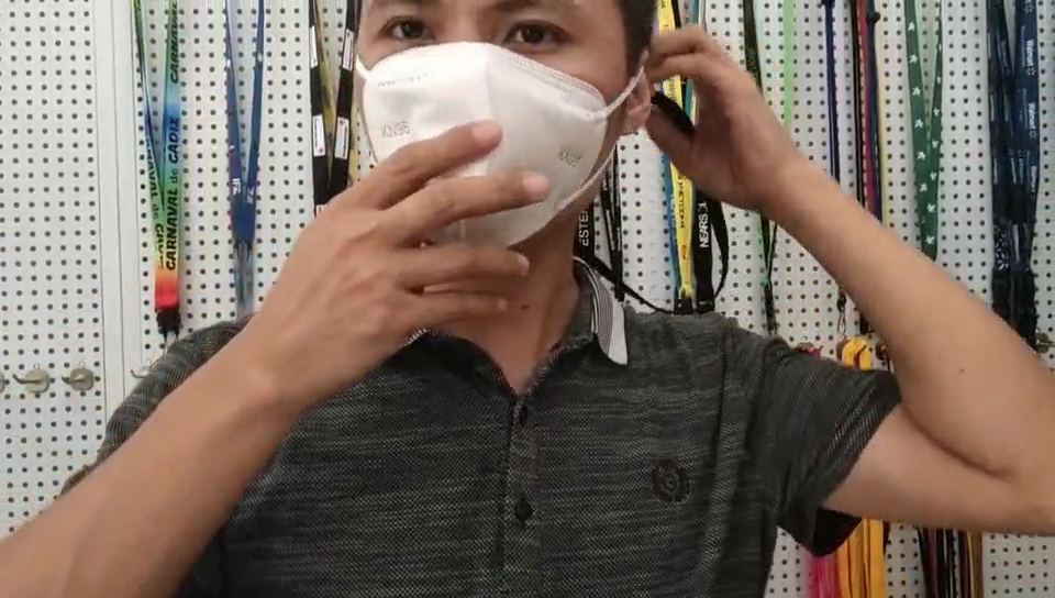 2020โรงงานขายส่งขยายใบหน้ากาวเชือกเส้นเล็กลมเชือกโพลีเอสเตอร์ปรับกาวเชือกเส้นเล็กสายคล้องคอ