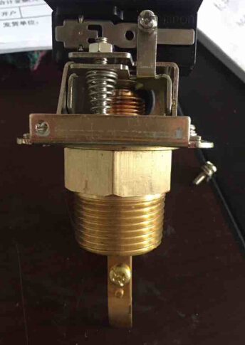 HFS-15 HFS-20 HFS-25 Size 1/2'' 3/4'' 1'' Refrigeration Parts Brass Electronic Water Paddle Flow Control Switch