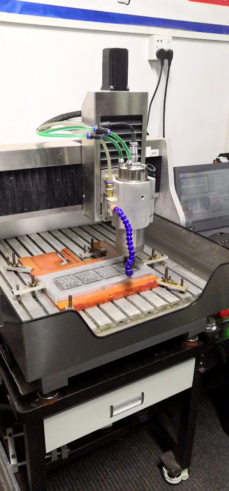 Mini cnc rota 4040F küçük cnc ahşap ve metal yönlendirici oyma makinesi 4 eksen Mach3 otomatik CNC freze makineleri limit anahtarı