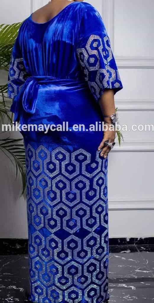 Pianura velluto Royal blue lace un sacco pietre floreale patch trim da sposa saree con pesante lavorazione della pietra
