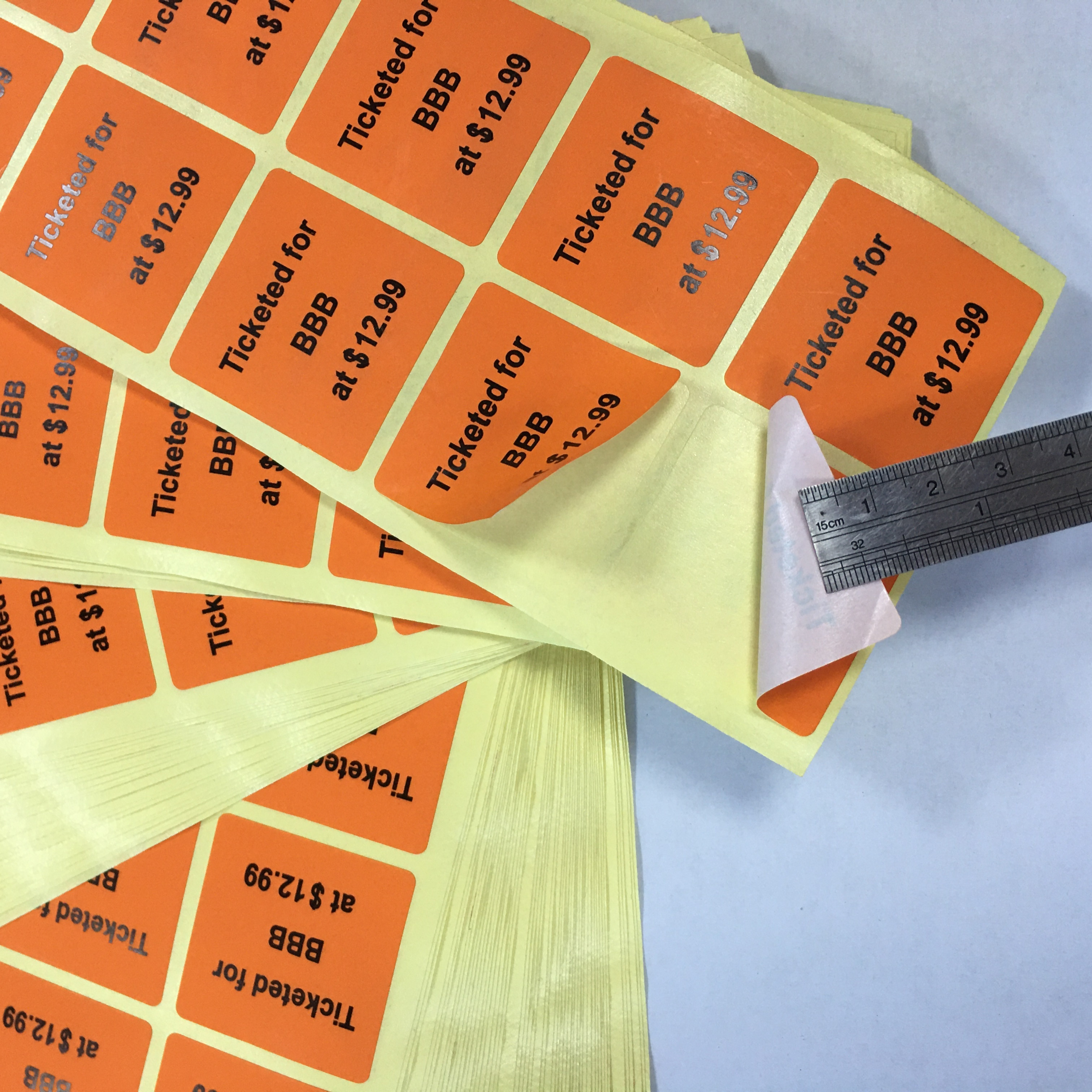 Labeling of Factory Materials green label Unqualified red label Yellow label to be processed