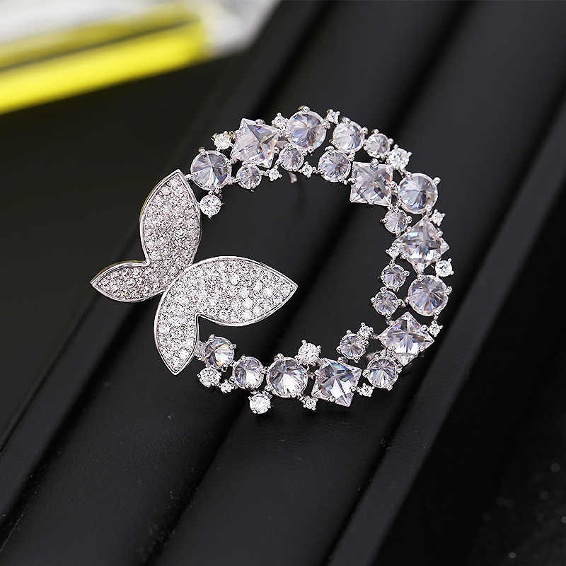 High-end Korean crystal rhinestone copper brooch fashion zircon butterfly shaped brooch pin women's jewelry for suit accessories