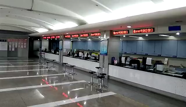custom queuing machine queue ticketing management system with strong WiFi network and lcd touch screen