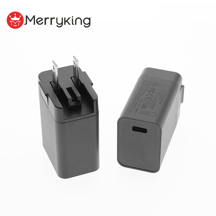White or black folding plug fast charger 18w pd charger for mobile phone accessories