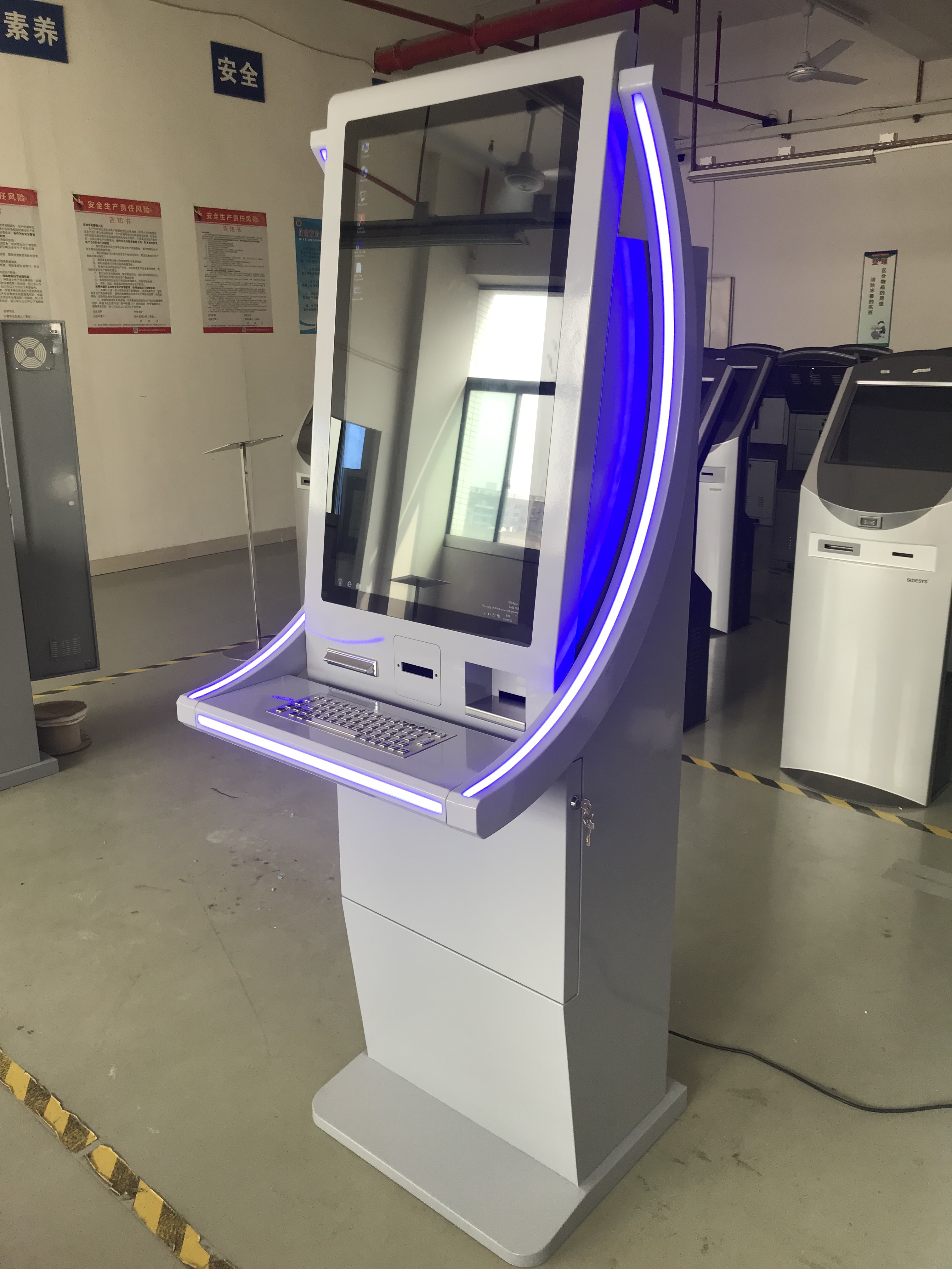 Floor Standing Touch Screen Self Service Top Up Kiosk With Cash in and Cash out