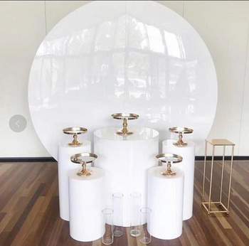Wholesale Acrylic White Round Plinth & Backdrop Wedding Display Stand for Wedding Stage Decoration