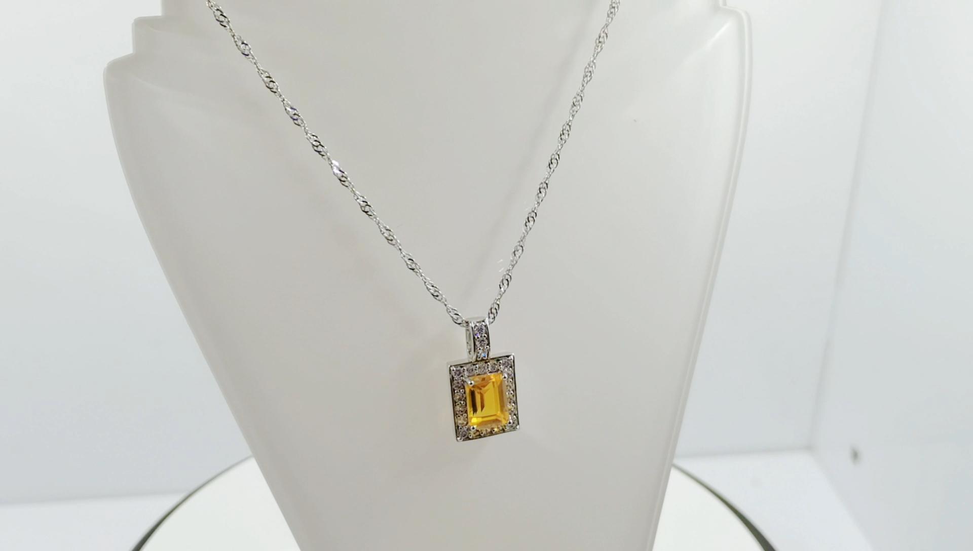جديد وصول الفاخرة مجوهرات مخصصة 925 الفضة سلسلة نسائية قطع مربع أصفر الشفاء كريستال قلادة