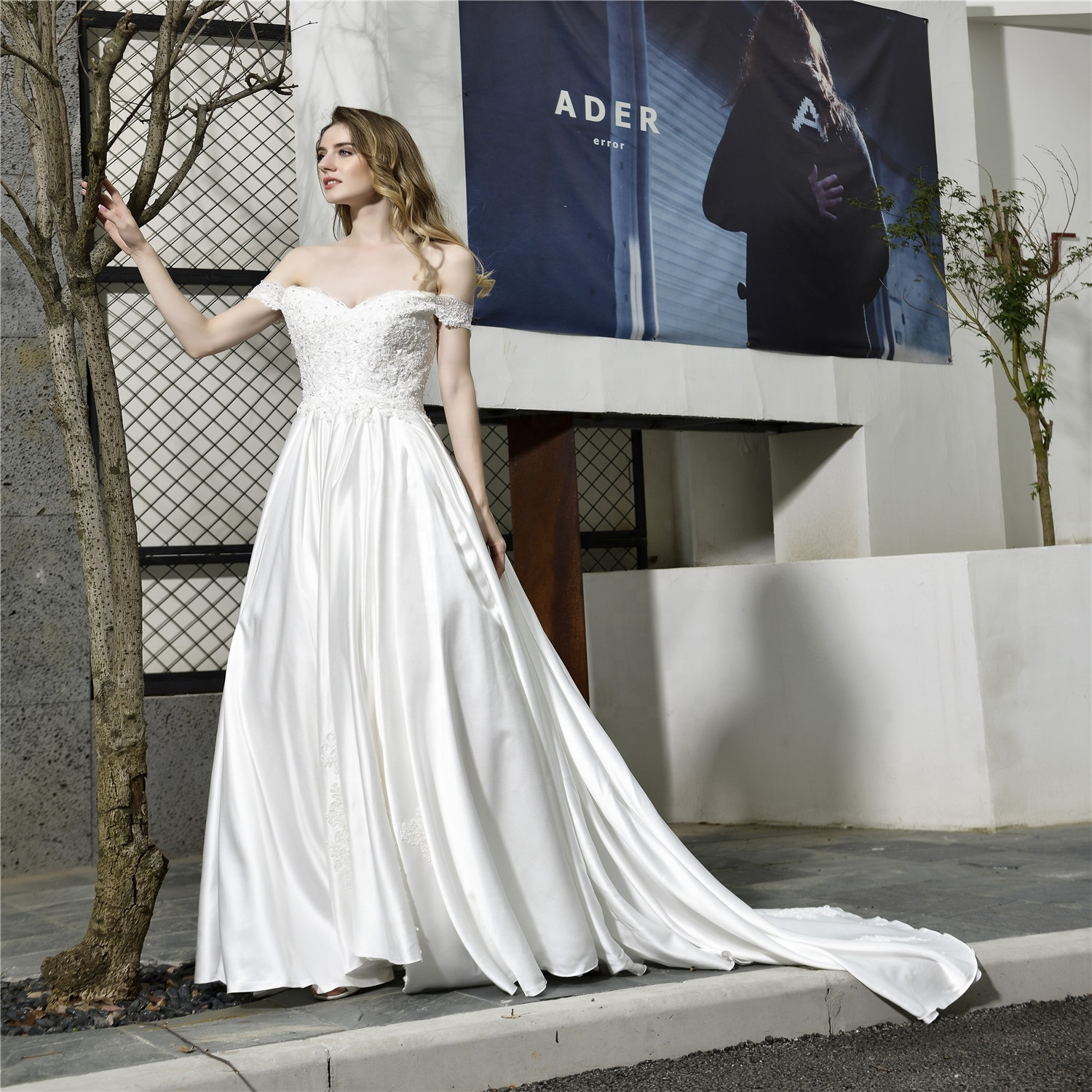 2020 off shouler Cheap Satin Lace Ball Gown bridal dresses Arabic Bridal Muslim Wedding Dress long beaded bridal princess dress