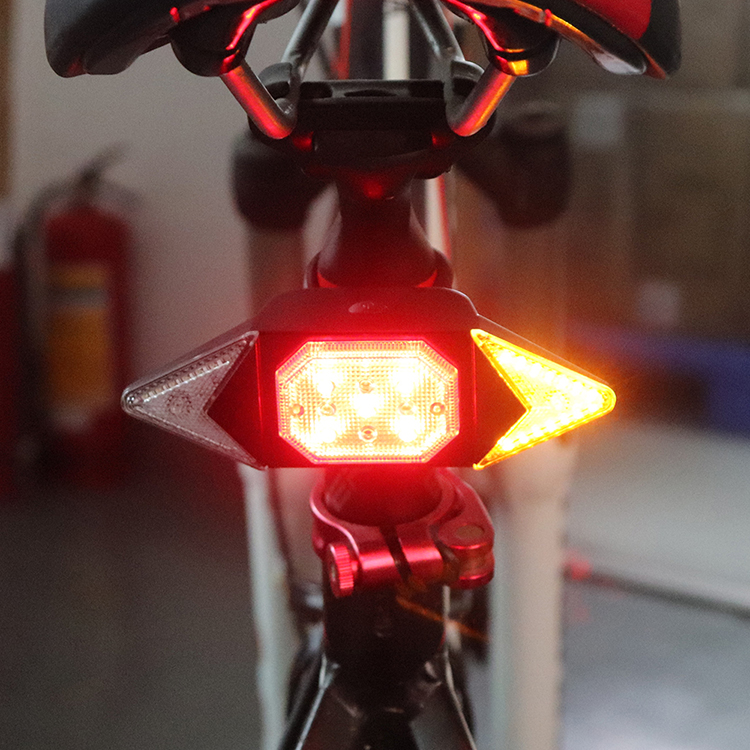Newest usb rechargeable brightest led tail light 30000 hours led rear tail lamp for bike