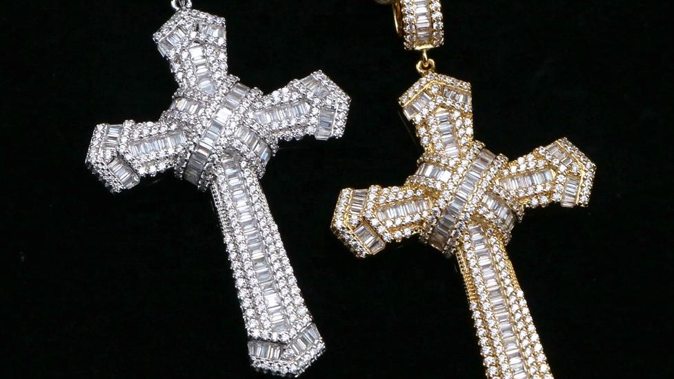 Nuovo Disegno Iced Out Baguette Croce Gesù Pendente di Fascino Della Collana