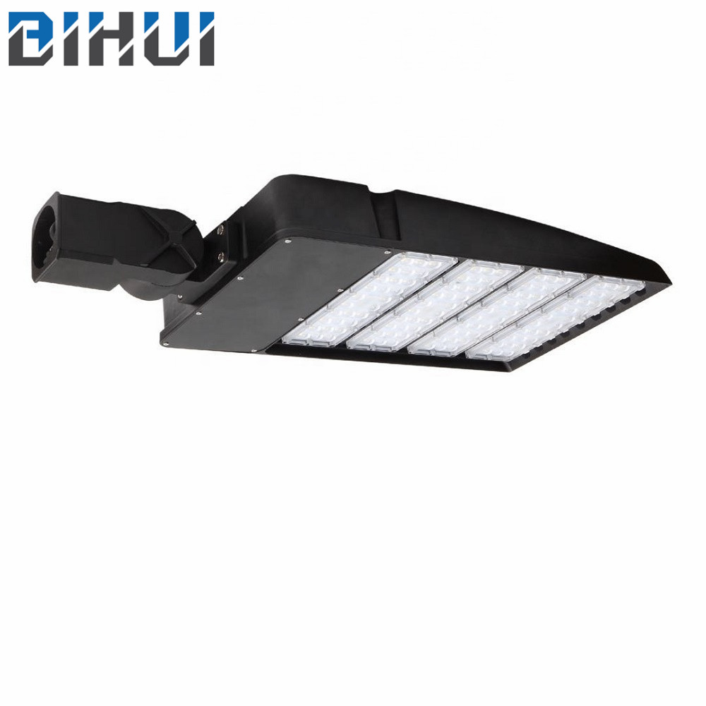 Zhongshan suppliers 240w hot sale LED  Parking Lot Light Street Light for brighten outdoor lighting hot sale in stock