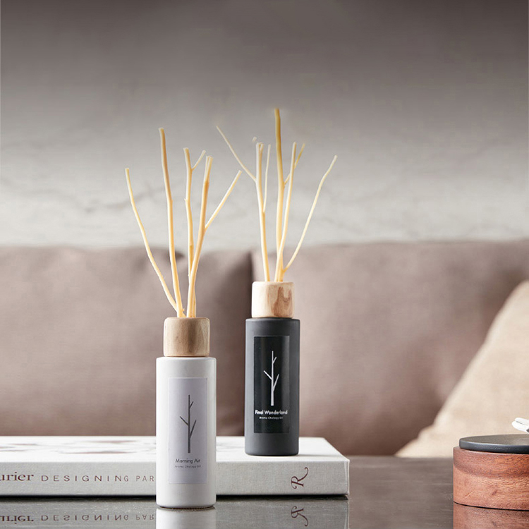 80ml round shaped glass bottle reed diffuser with black and white color