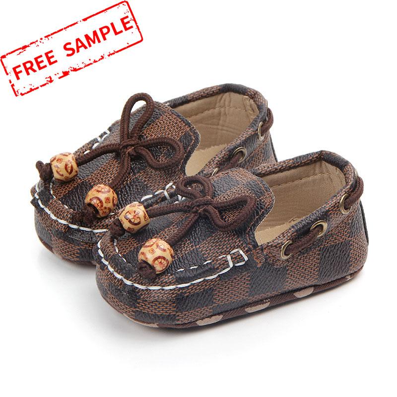 Yaz moda bebek ayakkabısı üzerinde kayma moccasins ilk yürüteç bebek mokasen