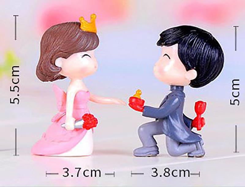 Romantic Cute Mini Boy and Girl Couple Figurine Valentine's Day Gift