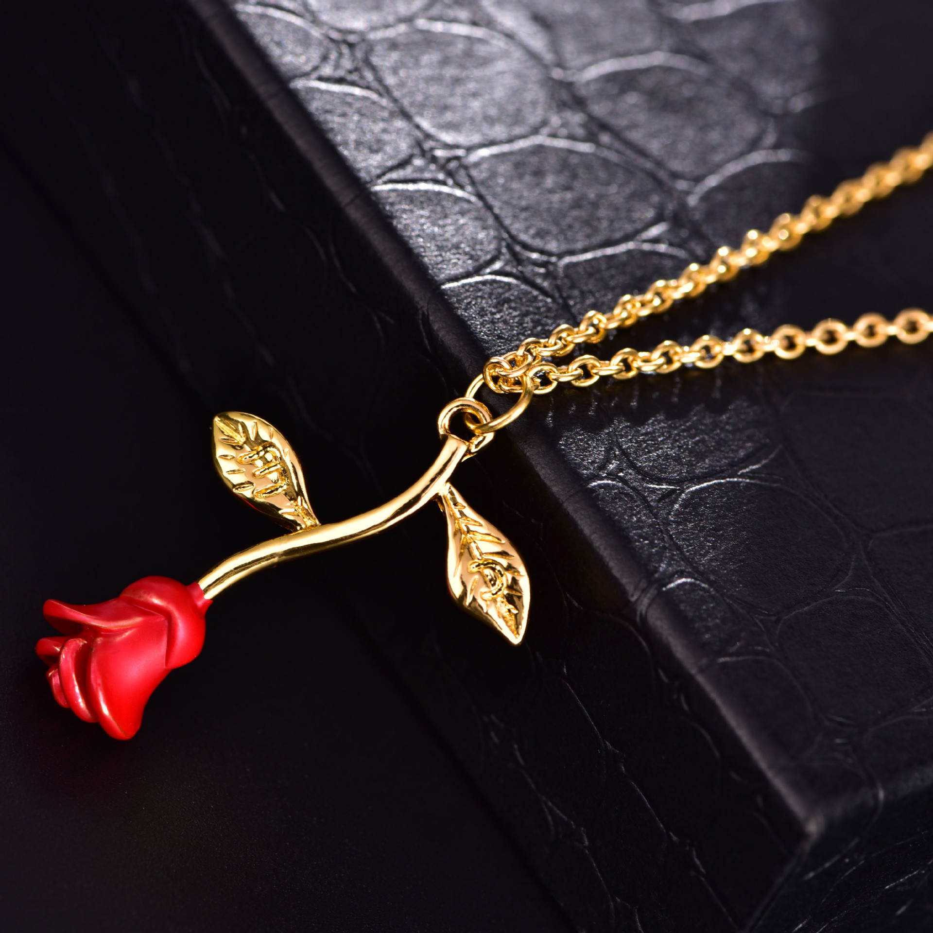 New Arrival Women Gift Jewelry 18 K Real Gold Plated Valtine's Day Gift Romantic Heart Rose Flower Pendant Necklace