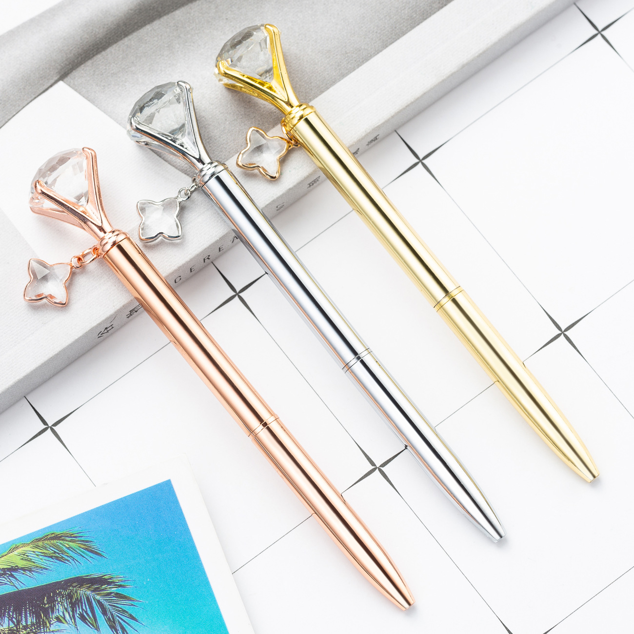 New Styles Fashion Writing Gift With Four-leaf Clover Pendant Promotion Elegant Crystal Metal Ballpoint Pen