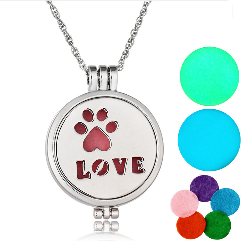 New Arrival Cute Girls Jewelry 3 Color Available Stainless Steel Fluorescent Luminous Initial Love Pet Paw Pendant Necklace