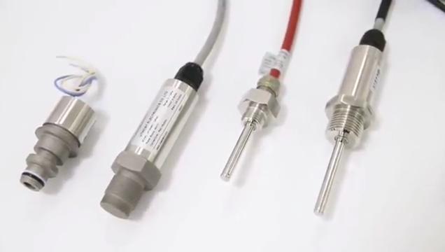 De alta precisão industrial 4-20mA 0-10VDC PT100 temperatura do transmissor sensor para dutos/banheira de água quente