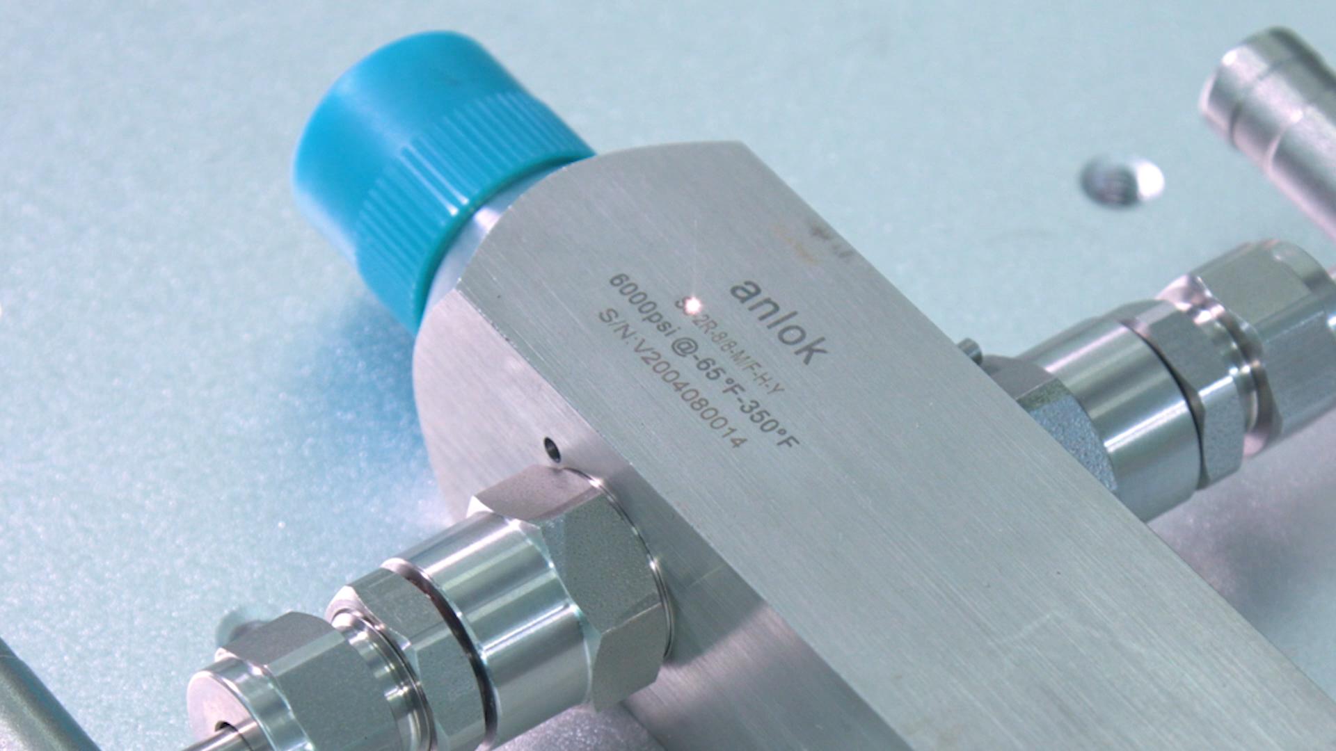 Лазерная гравировка машины лазерной маркировки машины лазерной Металлическая Табличка Режущий плоттер автоматической линии разметки