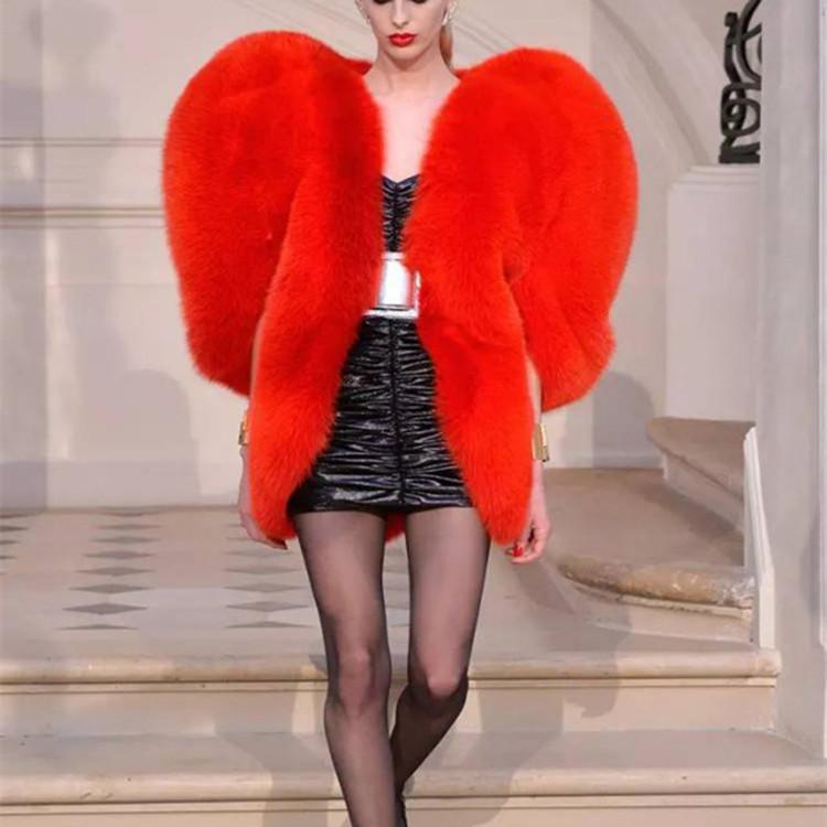 फैशन महिलाओं अशुद्ध फर कोट सर्दियों दिल फर कोट लाल फर बरसती